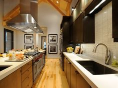 I'm dreaming of Dream Home 2011 & this gorgeous kitchen! http://www.lumberliquidators.com/ll/s/Bellawood%20Natural%20Maple