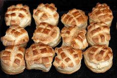 Babette: Vajas pogácsa Bakery Recipes, Apple Pie, Minden, Bread, Desserts, Food, Tailgate Desserts, Deserts, Brot