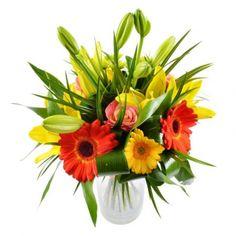 Этот изысканный и по-весеннему красочный букет состоит из оранжевых и желтых удивительно красивых гербер, солнечных пьянящих лилий, благородных роз апельсинового цвета и нежных веточек зеленой хризантемы.