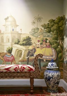 Gorgeous de Gournay Wallpaper in the Entry of the Dallas Apartment Designed by Lisa Fine From the November 2015 House Beautiful Issue De Gournay Wallpaper, Chinoiserie Wallpaper, Zuber Wallpaper, Hallway Wallpaper, Scenic Wallpaper, Antique Wallpaper, Hand Painted Wallpaper, Painting Wallpaper, Chinoiserie Elegante