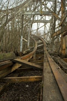 """Abandoned roller coaster at Lincoln Park in Dartmouth, Massachusets. About its decline: The park was successful until the when larger theme parks started to become more popular. A fatal accident on the park's 1946 """"Comet"""" wooden roller coaster Abandoned Buildings, Abandoned Places, Abandoned Train, Abandoned Theme Parks, Abandoned Amusement Parks, Amusement Park Rides, Magic Places, Haunted Places, Scenery"""