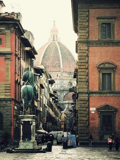 #travel #Italy #florence Piazza Santissima Annunziata, Florence. 15 min walking, from the San Gallo Palace Hotel