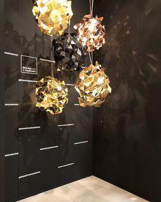 at Salone del Mobile - Brand van Modern Light Fixtures, Modern Pendant Light, Modern Chandelier, Chandeliers, Luxury Lighting, Custom Lighting, Lighting Design, Shape And Form, Beautiful Lights