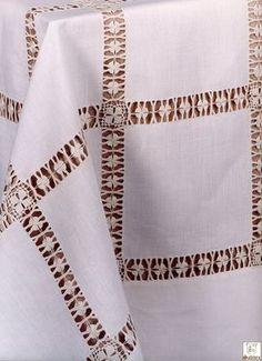 فايزة عشيبة's media content and analytics Hardanger Embroidery, Diy Embroidery, Embroidery Stitches, Hand Embroidery Flowers, Hand Embroidery Patterns, Drawn Thread, Sewing Studio, Bargello, Antique Lace