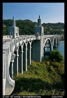 Isaac Lee Patterson Bridge over the Rogue River. Oregon, USA (color)