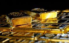 Как инвестировать в золото и не прогадать. Что выбрать - металлические счета, инвестиционные монеты или золото в слитках. А может купить жене золотой кулон?