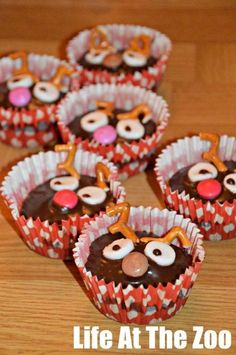 Cheeky Rudolph Cupcakes - quick and easy, perfect for school cake sales!