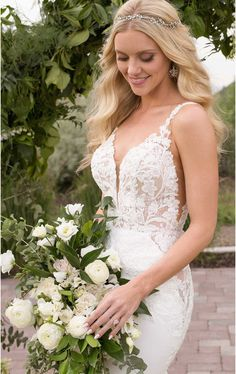 Black is back and better than ever with black wedding dresses from Martina Liana and Essense of Australia. Wedding Dress Quiz, Wedding Dress Finder, Spring 2017 Wedding Dresses, Classic Wedding Dress, Black Wedding Dresses, Boho Wedding Dress, Designer Wedding Dresses, Mermaid Wedding, Wedding Designers