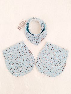 Baby boy 2 burp cloths and 1 matching bib. Adorable and cool polka dot print for boy. Perfect shower gift. Set of 3 pieces by XANLER on Etsy https://www.etsy.com/listing/482138423/baby-boy-2-burp-cloths-and-1-matching