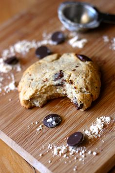 Grain free/sugar free/Vegan chocolate chip cookies: almond & coconut flour, salt, baking  powder, vanilla, coconut oil, chia seeds, mashed banana OR date puree