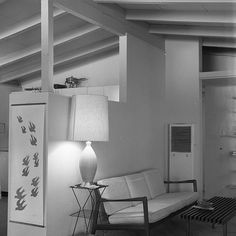 File:California Mid-Century Modern Home with open-beam ceiling 1960.jpg