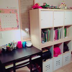 大容量/収納棚/ランドセルラック/3兄妹/100均/リビング横の和室…などのインテリア実例 - 2016-10-24 19:43:32   RoomClip(ルームクリップ) Kallax, Love Home, Diy For Kids, Locker Storage, Diy And Crafts, Kids Room, New Homes, Shelves, Cabinet