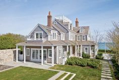 nantucket love -- oh how i want the weathered shingle look on my house -- but i'm going vinyl/pvc, not wood.