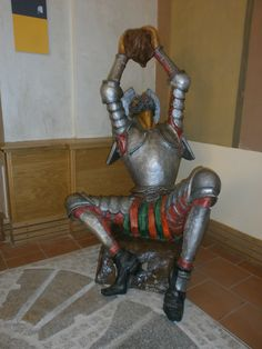 Quijote en la Biblioteca Niveiro. Talavera de la Reina. #Talavera #MarcaTalavera Spain, My Love, Travel, Home Decor, French Models, Talavera Pottery, Frogs, Viajes, Decoration Home