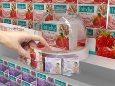 palmolive glorifier and info Point Of Sale, Point Of Purchase, Pos Display, Display Design, Display Shelves, Guerilla Marketing, Pos Design, Retail Design, Stop Rayon