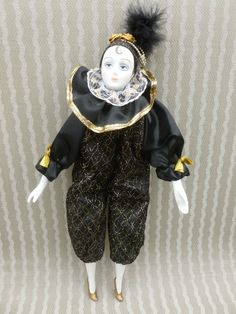 VINTAGE HARLEQUIN JESTER 16 INCH PORCELAIN DOLL. (MARDI GRAS) COLLECTIBLE-MINT | eBay