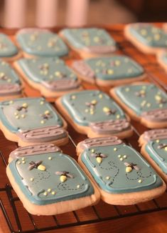 Fireflies mason jar Bee Cookies, Crazy Cookies, Cupcake Cookies, Cupcakes, Sugar Cookie Icing, Cookie Frosting, Royal Icing Cookies, Summer Cookies, Fall Cookies