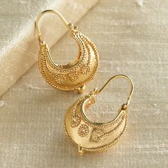 Etruscan Hoop Earrings, love the granulated gold Sterling Silver Earrings, Gold Earrings, Silver Ring, Jewelry Gifts, Gold Jewelry, Aquamarine Jewelry, Jewlery, Gold Chains For Men, Ancient Jewelry