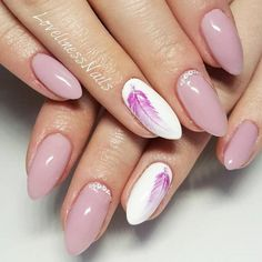 Cute nail designs with sweet feathers picture 1 Feather Nail Designs, Feather Nails, Pretty Nail Designs, Simple Nail Designs, Gel Nail Designs, Trendy Nail Art, Stylish Nails, Manicure, Gel Nails