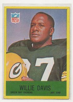 WILLIE DAVIS - 1967 Philadelphia CARD #76 - VG - LIGHT CREASES - GREEN BAY PACKERS