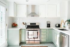 Before and After: A Welcome Twist On An All White Kitchen | Apartment Therapy