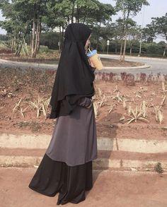 Niqab Fashion, Modest Fashion Hijab, Modern Hijab Fashion, Casual Hijab Outfit, Ootd Hijab, Islamic Fashion, Girl Hijab, Muslim Fashion, Black Hijab