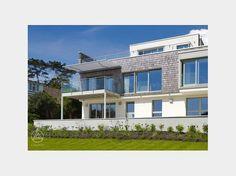 Stadtvilla modern mit balkon  Bauhaus Nilles - #Doppelhaus von Baufritz | HausXXL #modern ...