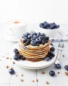 The Best Blueberry Buttermilk Protein Pancakes - stefaniegoldmarie Recipes With Buttermilk Breakfast, Pancake Recipe With Yogurt, Greek Yogurt Pancakes, Buttermilk Recipes, Breakfast Recipes, Pancakes Protein, Waffle, Eat Breakfast, Sweet Recipes