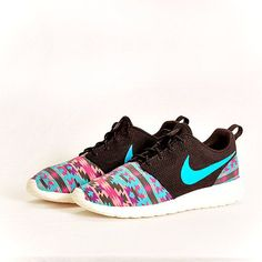 NIKE ROSHE RUN Super Cheap! Sports Nike shoes outlet, Press picture link get it immediately! not long time for cheapest Nike Shoes Cheap, Nike Free Shoes, Running Shoes Nike, Cheap Nike, Nike Free Runners, Sneakers Nike, Adidas Shoes, Zapatillas Nike Roshe, Shoes