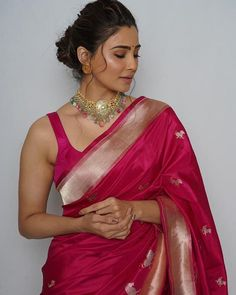 Modern Classic dark pink hot saree for parties. For order whatsapp us on wedding outfits wedding dress wedding dresses lengha lehnga sabyasachi manish malhotra Trendy Sarees, Stylish Sarees, Saree Blouse Patterns, Saree Blouse Designs, Indian Beauty Saree, Indian Sarees, Silk Sarees, Kerala Saree, Saree Jewellery