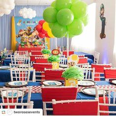 Super Mario bros Birthday Party Super Mario Bros, Super Mario Cake, Super Mario Birthday, Mario Birthday Party, Super Mario Party, Boys First Birthday Party Ideas, Kids Party Themes, 1st Birthday Parties, Birthday Party Centerpieces