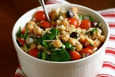This would be great for lunch or as a side-dish...Mediterranean orzo salad! #healthyrecipes
