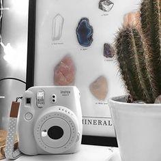 Instax Camera, Polaroid Camera, Instax Mini 9, Fujifilm Instax Mini, Polaroid Pictures, Polaroids, Camara Fujifilm, Iphone Wallpaper, Vsco