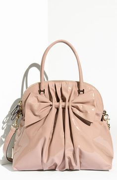 Valentino<3 I'm pretty sure I would give my right arm for this bag!!:)