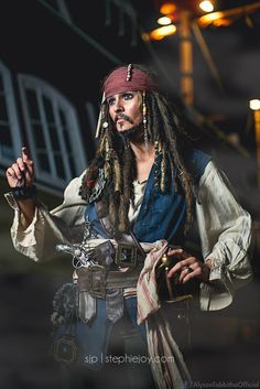 "Cosplayer Alyson Tabbitha is taking the art of ""crossplaying"" to a whole new level by transforming herself in an almost perfect copy of Captain Jack Sparrow."