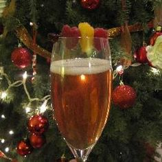 Champagnercocktail mit Himbeersirup @ http://de.allrecipes.com
