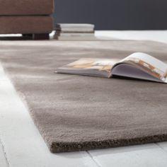 Tappeto color talpa chiaro in lana a pelo corto 160 x 230 cm SOFT