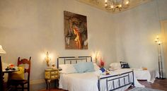 HISTORIC DWELLING FLORENTINE Florence Set 400 metres from Sant'Ambrogio Market in Florence, this air-conditioned apartment features a balcony with city views. The unit is 500 metres from Piazza della Signoria.