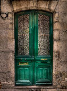 Green doors and stone walls. #door #architecture #greendoor