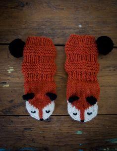Knitted Mittens Pattern, Knit Mittens, Baby Knitting Patterns, Knitting Socks, Crochet Baby Booties, Knit Crochet, Knit Baby Sweaters, Knitwear Fashion, Handicraft