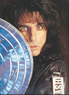 See Alice Cooper pictures, photo shoots, and listen online to the latest music. Alice Cooper, Freddie Mercury, Detroit, Geek Games, Rob Zombie, Claire Holt, Orphan Black, Through The Looking Glass, Outdoor Art