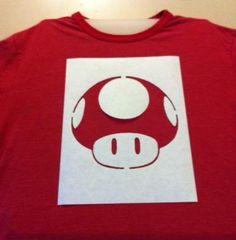 Como estampar camisetas com alvejante. A tendência entre os jovens de customizar camisetas tem vindo a crescer, e se isso lhe agrada com certeza gostará de saber como estampar camisetas com alvejante, ou água sanitária. Por ser um produto ...