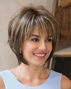 Corte de pelo con flequillo escalonado