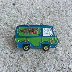 Hot Box | Not that I really wanna agree with the High Shaggy & Scooby.. but this is the best Van Pin I have seen