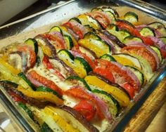 WW Goat Vegetable Tian - Main Course and Recipe New Recipes, Real Food Recipes, Vegan Recipes, Dinner Recipes, Fast Recipes, Vegetable Tian, Plats Weight Watchers, Organic Recipes, Ethnic Recipes