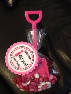 Valentine craft - such an easy gift. I did this a few years ago and it went down well