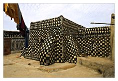 "seshatarchitecture: "" Gurunsi architecture in Burkina Faso and Ghana ""                                                                                                                                                                                 More"