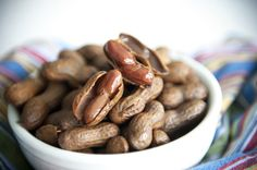 A good southern indulgence — Homemade boiled peanuts! Crockpot Boiled Peanuts, Cajun Boiled Peanuts, Appetizer Recipes, Snack Recipes, Appetizers, Crockpot Recipes, Cooking Recipes, A Food, Food And Drink
