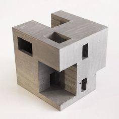 david_umemotoPièce que je présenterai au Salon Scvlpvre III en fin de semaine. Samedi 19 nov et Dimanche 20 nov, Palais des congrès, Montréal  #brutalism #brutalist #sculpture #concreteart #exhibition