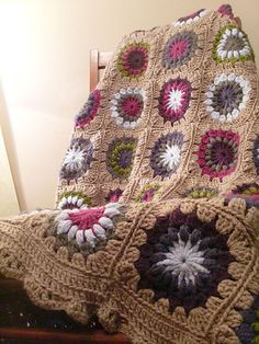 Link to Free Ravelry sunburst granny pattern. This is delicious in brown. Adore, thanks so for sharing xox